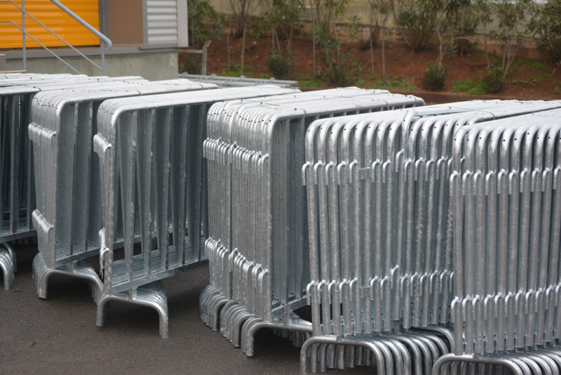 NEW FENCING BARRIERS